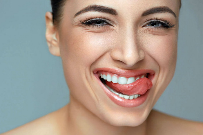 Как выровнять зубы в домашних условиях и исправить прикус?