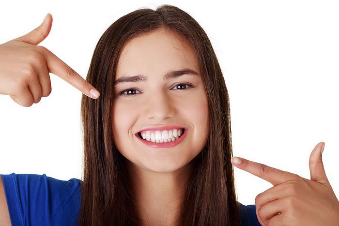 Коррекция зубов без брекетов