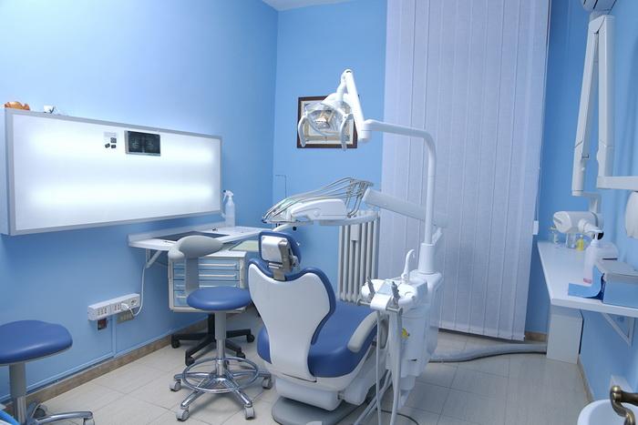 Место работы врача-ортодонта - стоматологический кабинет