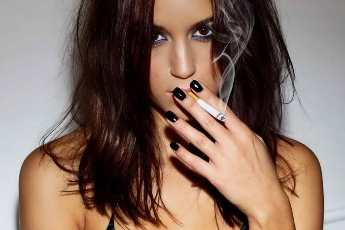 Курение с установленными брекетами. Можно ли?